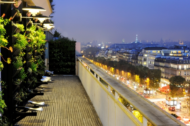 la-maison-du-danemark-balcon-nuit